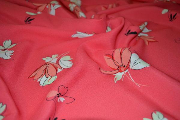 Вискоза в цветы (коралловая)