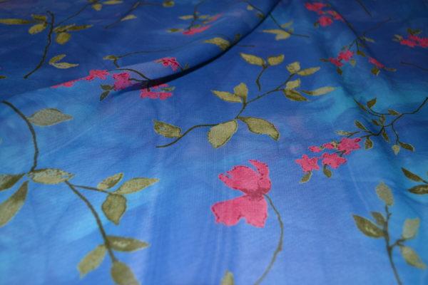 Вискоза шифон в цветы (голубая)
