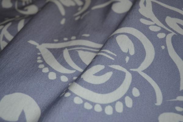 Трикотаж фиолетовый в цветы