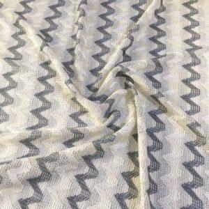 Костюмно-плательная в стиле Missoni зигзаги (бело-серебристая)