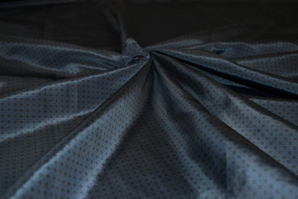 Плащовка  с рисунком в мелкий ромбик (синяя)