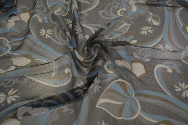Шелк шифон Max Mara в цветы (серо-голубой с листочками)