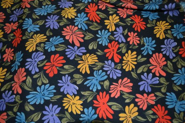 Вискоза в цветы (красно-желтые на черном)