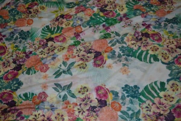 Трикотаж вискоза тонкая (зелено-оранжевые цветы на белом)